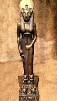 Древнегреческая богиня Сехмет и кошка